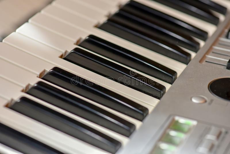 Elektronisch orgel toetsenborden stock fotografie