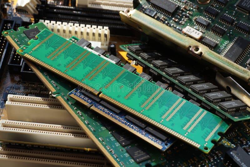 Elektronische componenten, PC-componenten: motherboards, schijven, RAM m stock foto