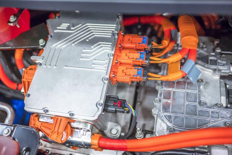 Elektronische distributieblokken op een elektrische auto stock foto's