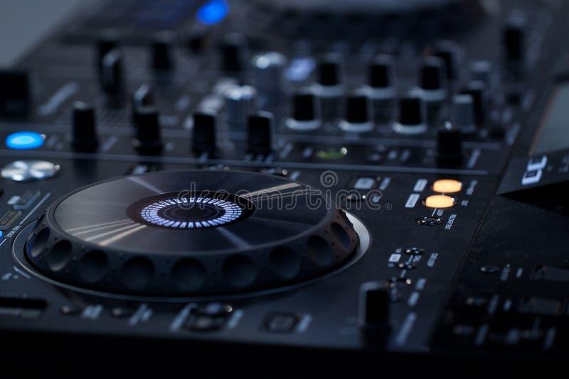 elektronische muziekconsole stock foto