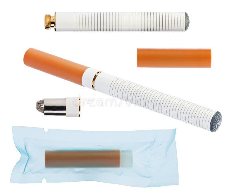 Elektronische sigaret met delen die op wit worden geïsoleerdt royalty-vrije stock afbeelding