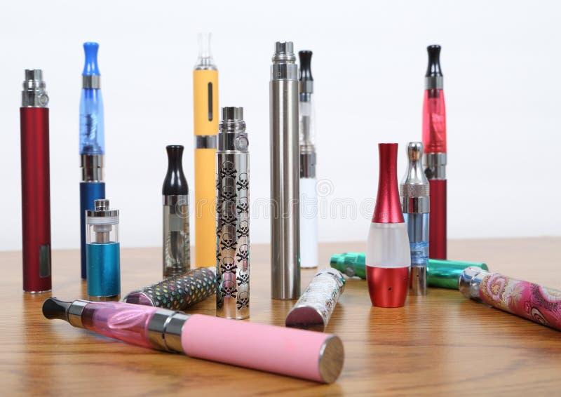 Elektronische Zigaretten stockfotografie