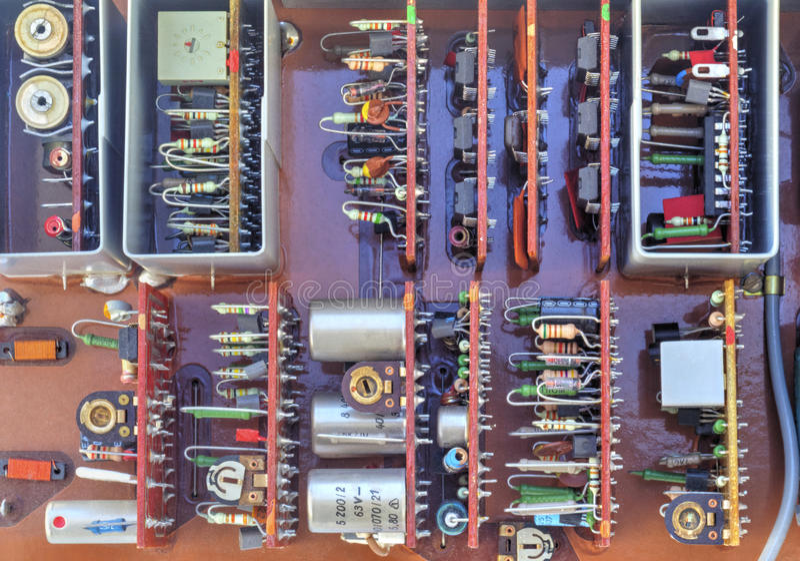 Elektronisches Gerät mit Komponenten stockfoto