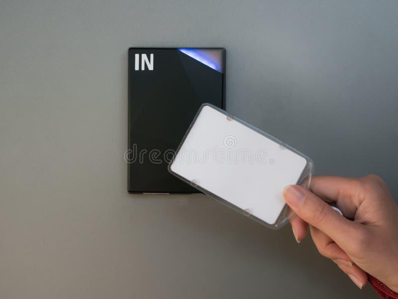 Elektronisches Zugangssystem auf der Wand stockfotografie