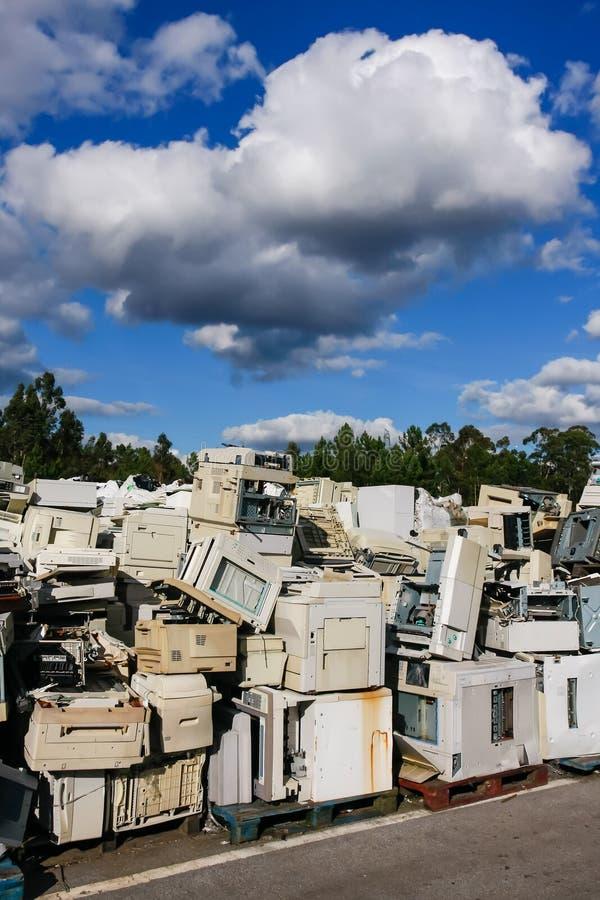 Elektronisk avfalls för återanvändning royaltyfri fotografi