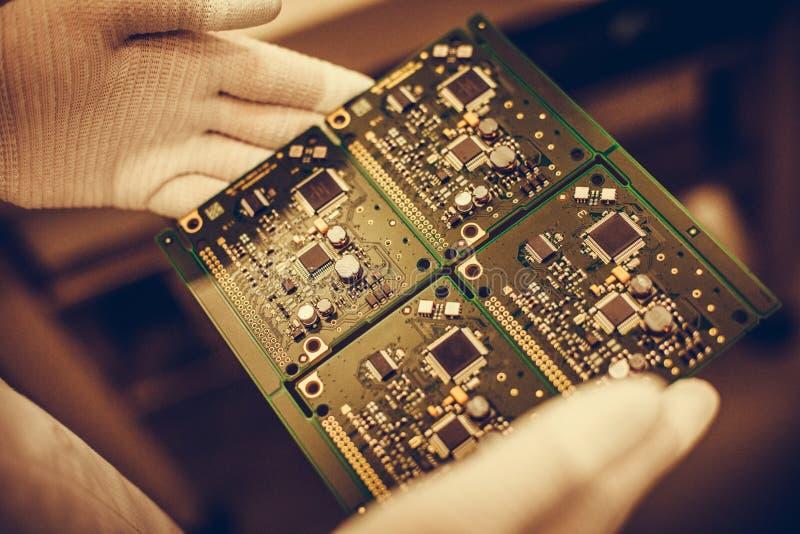 Download Elektronisk Brädeströmkrets Fotografering för Bildbyråer - Bild av teknologi, closeup: 78726405