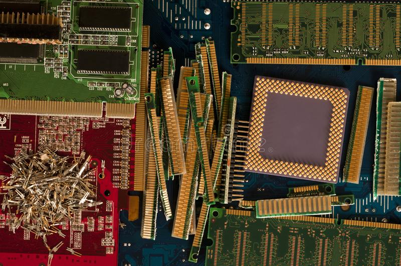 Elektronisk förlorad återvinning från gamla datordelar fotografering för bildbyråer