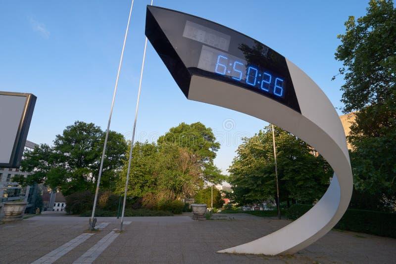 Elektronisk klocka i Belgrade royaltyfri fotografi