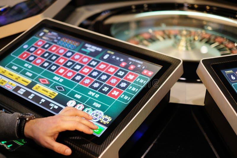 Elektronisk snurr för kasinorouletthjul royaltyfria foton