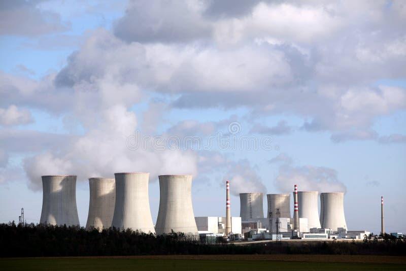 elektrowni nuklearnej władza zdjęcia royalty free
