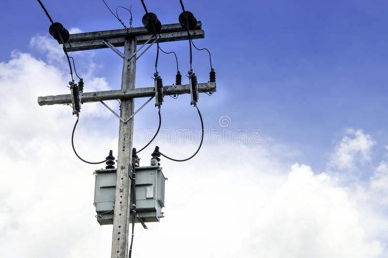 Elektryczna poczta i transformator obraz stock