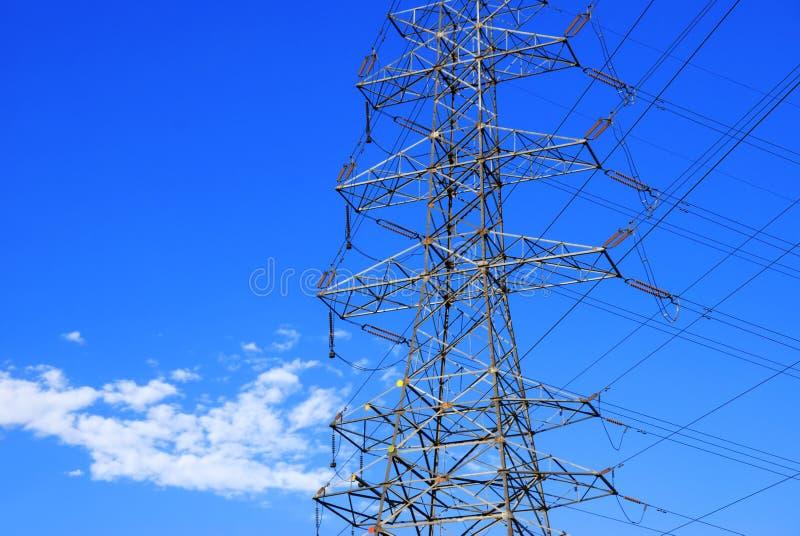 elektryczne linie energetyczne zdjęcia royalty free