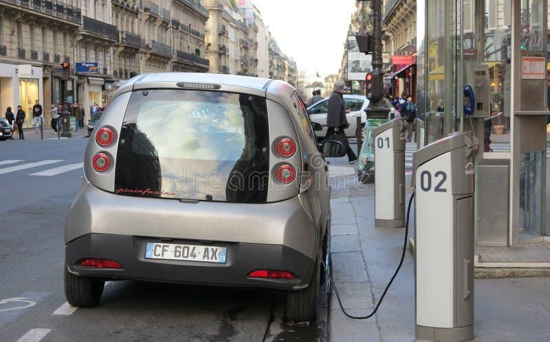 Elektrycznego samochodu ładować zdjęcie stock