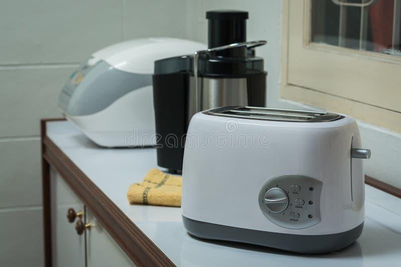 Elektryczni urządzenia w kuchni zdjęcie royalty free