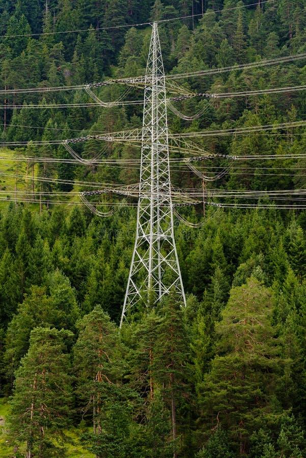 Elektryczność pilon w alps, Tirol, Austria obrazy royalty free