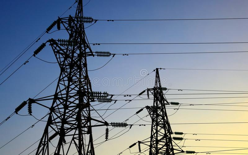 elektryczność pilony dwa obrazy royalty free