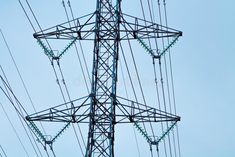Elektryczność słupy i linie obraz royalty free