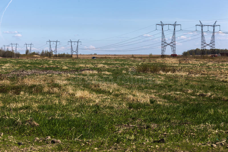 elektryczności dostawa konsumenci Wysokonapięciowa linia energetyczna fotografia royalty free