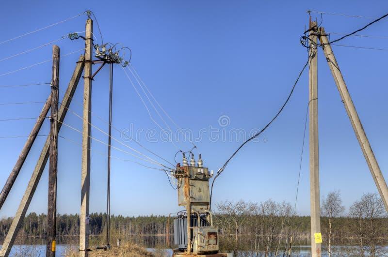 Elektryczności dystrybuci transformator, elektrycznej władzy substatio obraz stock