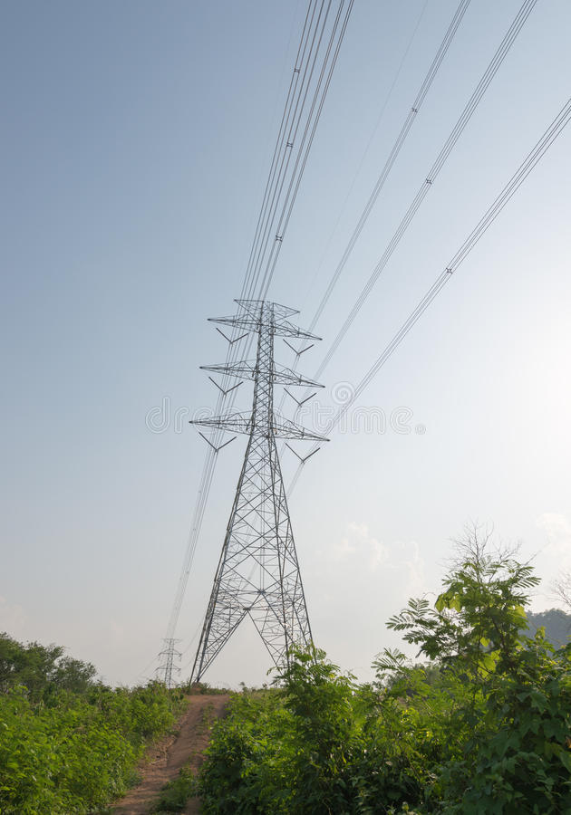 Download Elektryczny Basztowy Przekaz Zdjęcie Stock - Obraz złożonej z elektryczność, pilon: 53776110
