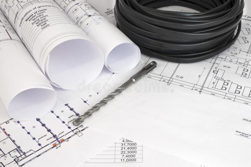 Elektryczny kabel na budowa rysunkach obraz royalty free