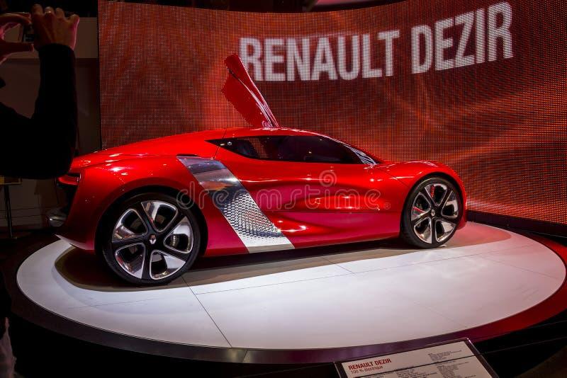 Elektryczny Renault Desiree przy Paryskim Motorowym przedstawieniem fotografia royalty free
