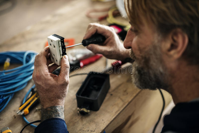 Elektryka działania domu naprawy instalacja zdjęcie stock
