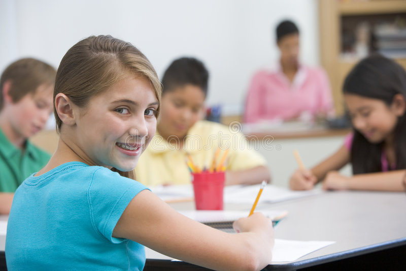 elementär elevskola för klassrum royaltyfri bild