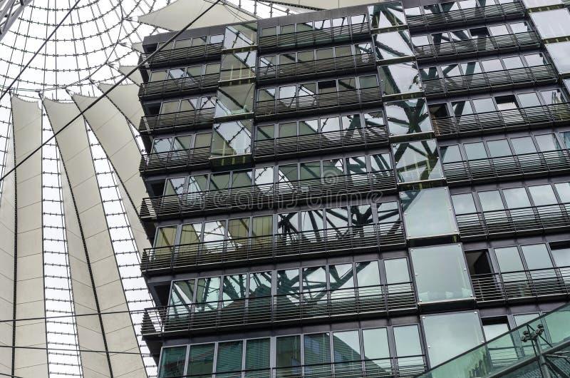 Element nowożytna architektura obrazuje Sony centrum w Berlin, Niemcy obrazy royalty free