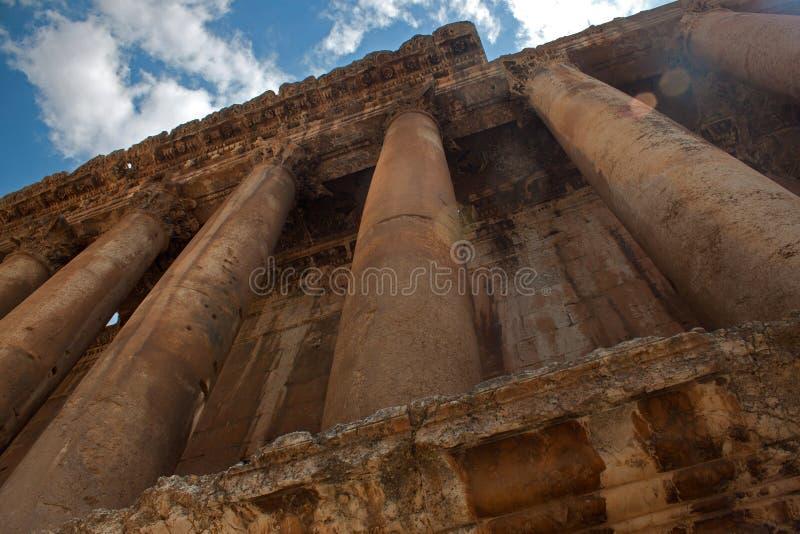 Element van Bacchus-tempel bij de Roman oude ruïnes van Baalbek, royalty-vrije stock fotografie