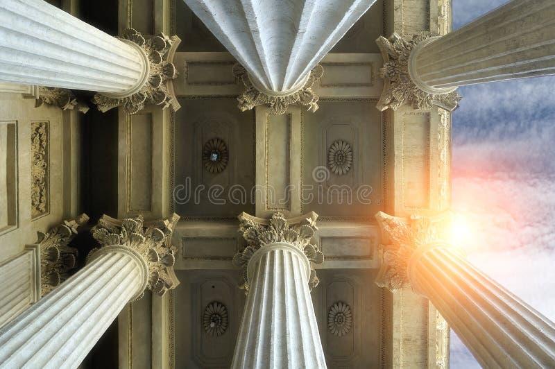 Elementen van colonnade en het plafond van Kazan Kathedraal in heilige-Petersburg, Rusland royalty-vrije stock afbeelding