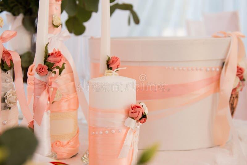 Elementen van de huwelijksceremonie De decoratie van het huwelijk royalty-vrije stock afbeeldingen