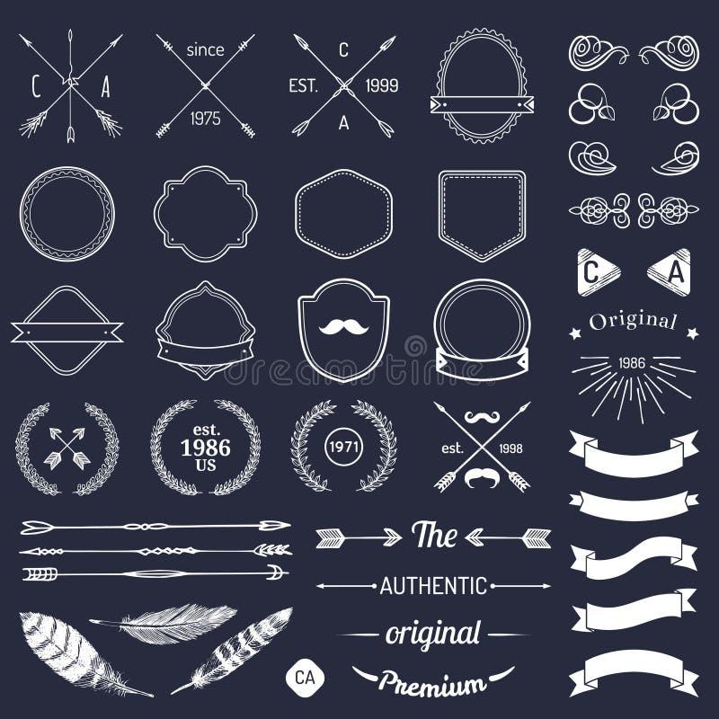 Elementi d'annata di logo dei pantaloni a vita bassa con le frecce, nastri, piume, allori, distintivi Costruttore del modello del fotografia stock libera da diritti
