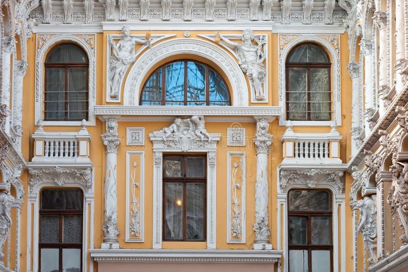 Elementi della facciata nel passaggio in Odesa Ucraina fotografie stock