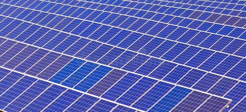 Elementi delle batterie solari immagine stock libera da diritti