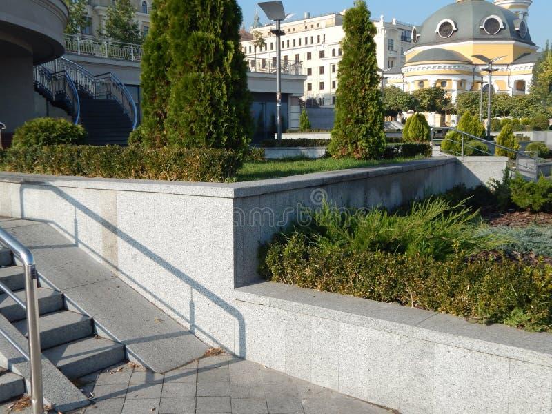 Elementi di architettura del pæsaggio del parco del giardino fotografia stock