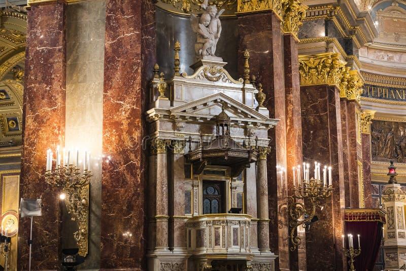 Elementi di architettura e dell'interno nella basilica di St Stephen immagini stock