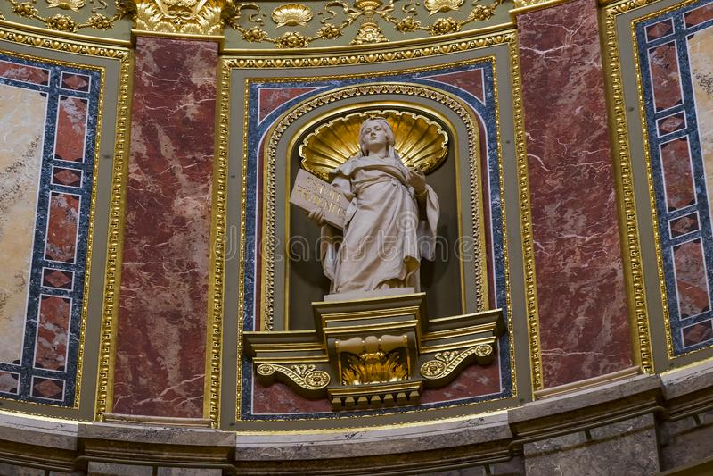 Elementi di architettura e dell'interno nella basilica di St Stephen immagine stock libera da diritti