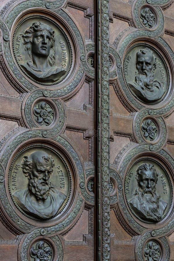 Elementi di architettura e dell'interno nella basilica di St Stephen fotografia stock libera da diritti