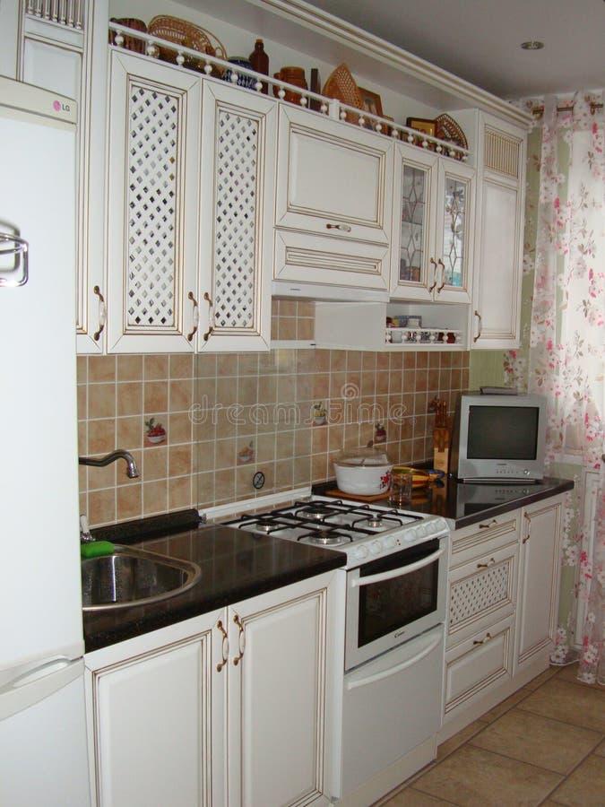 Elementi interni della nostra cucina - insieme della mobilia della cucina di vista fotografie stock