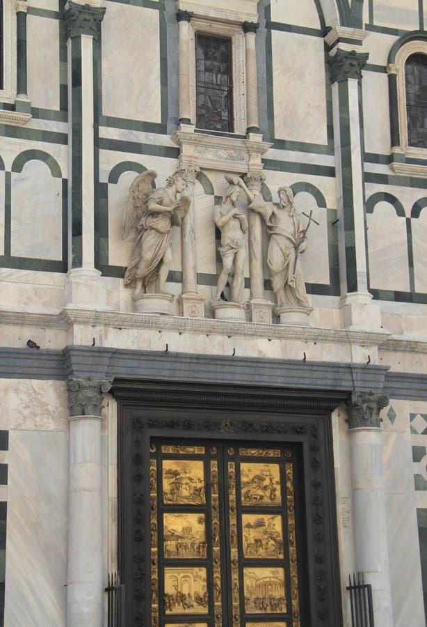 Elemento architettonico della decorazione del battistero a Firenze fotografie stock