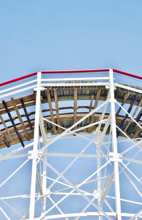 Elemento do Coney Island de madeira New York da montanha russa fotografia de stock
