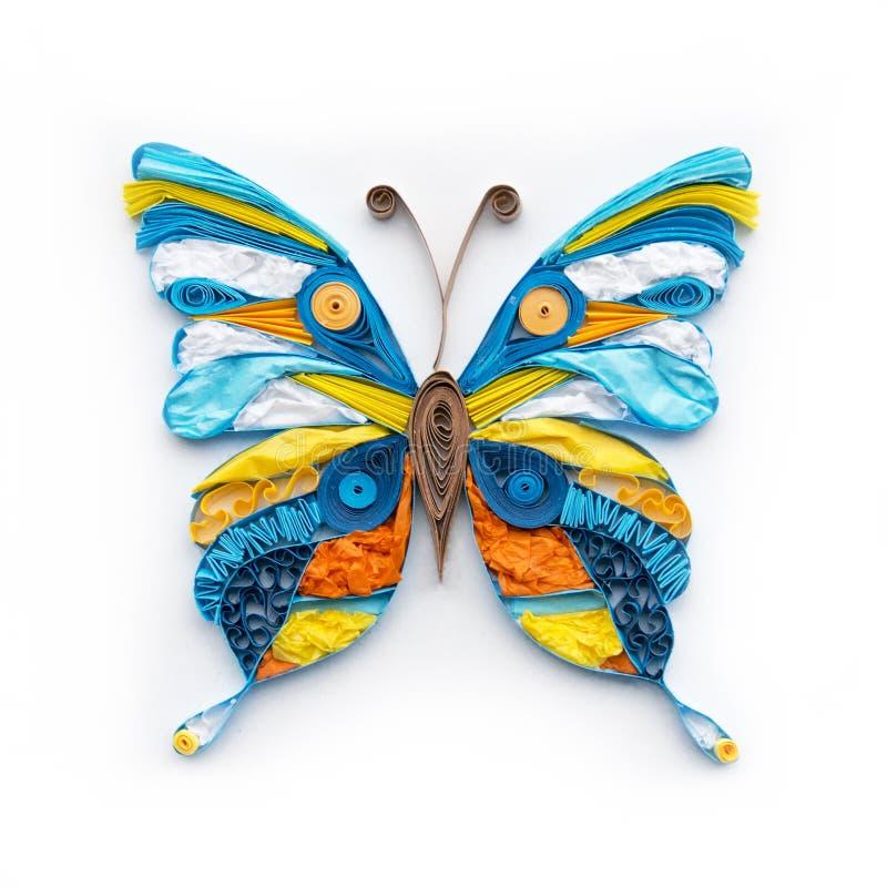 Elemento variopinto quilling sveglio della farfalla su fondo bianco Decorazione della carta fatta a mano fotografie stock libere da diritti