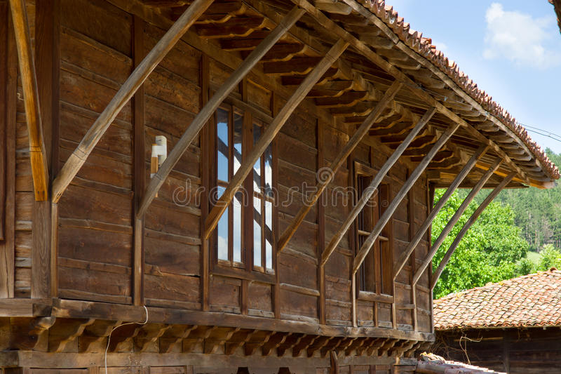 Elementos da arquitetura rural de Balcãs fotos de stock
