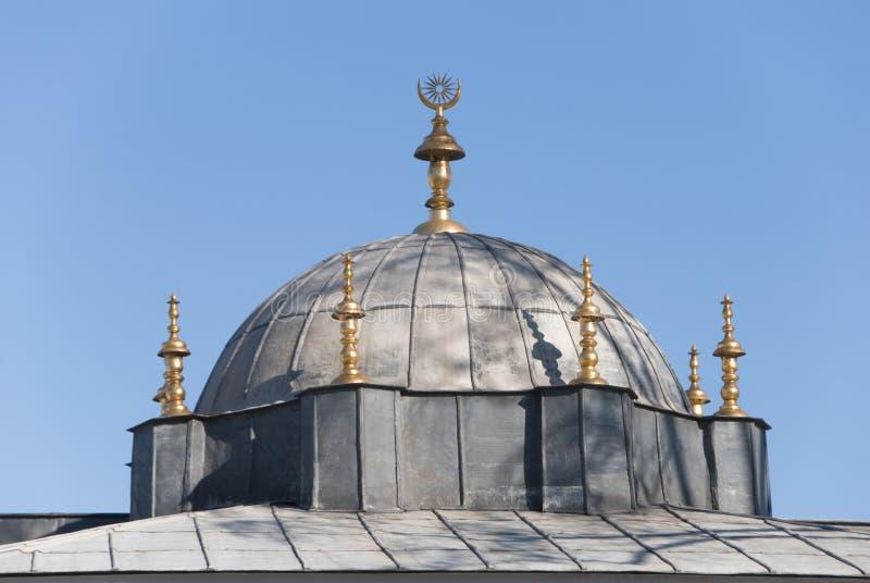 Elementos de la azotea del palacio de Topkapi fotos de archivo