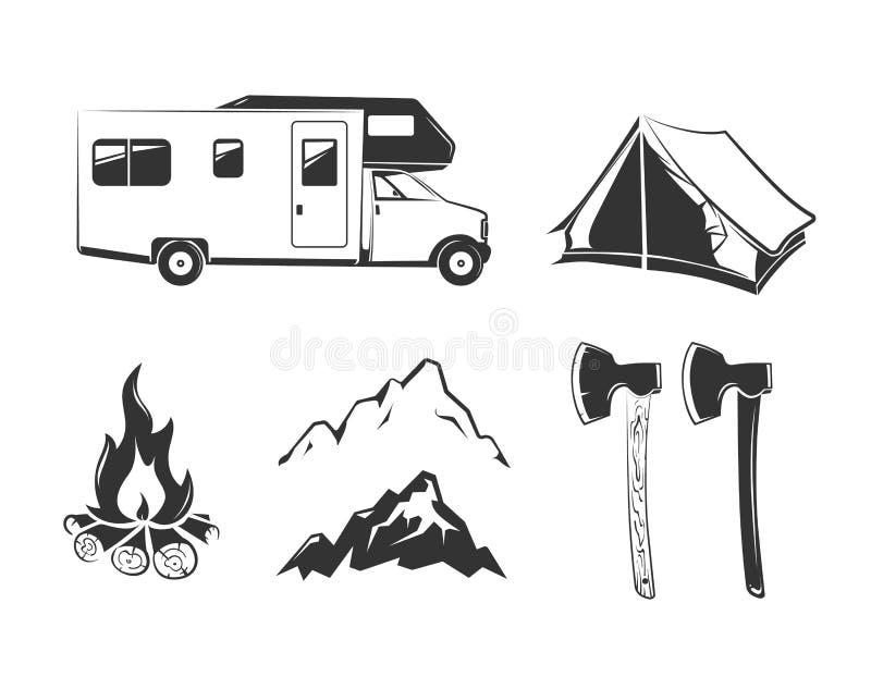 Elementos do vetor para do acampamento de verão etiquetas do vintage fora, emblemas, logotipos, crachás ilustração do vetor