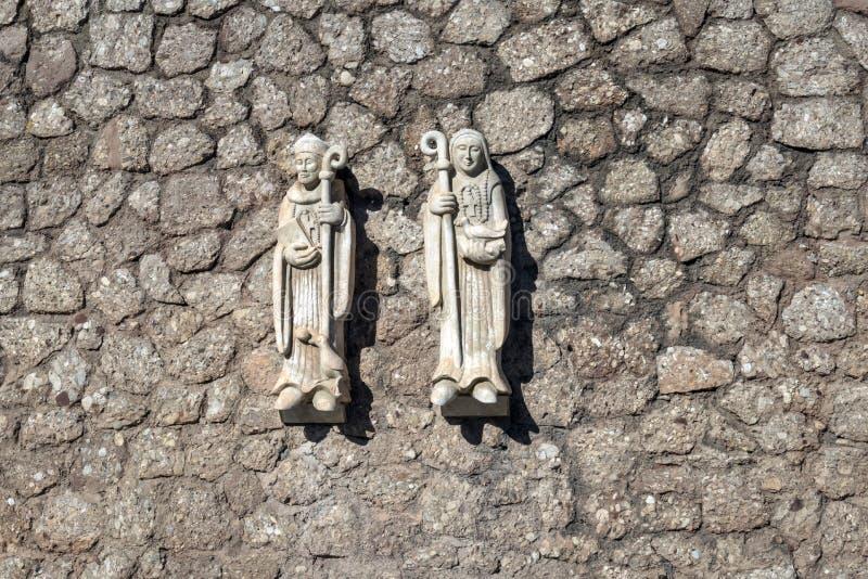 Elementos esculturais em Monserrat Abbey fotografia de stock