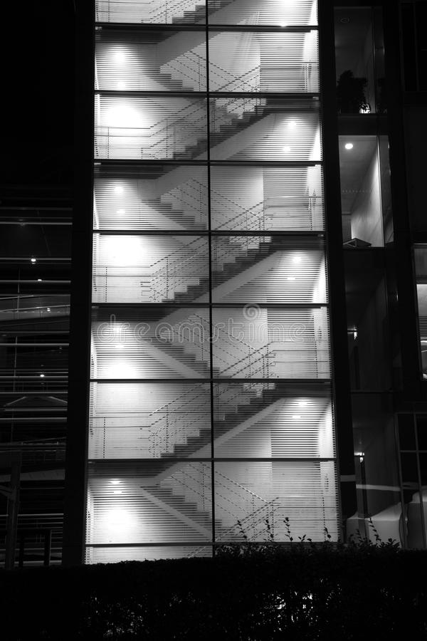 Elementos estructurales abstractos arquitectónicos con las escaleras, rampas fotos de archivo libres de regalías