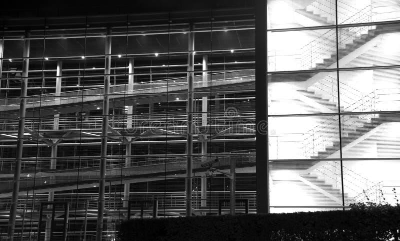Elementos estructurales abstractos arquitectónicos con las escaleras, rampas imágenes de archivo libres de regalías
