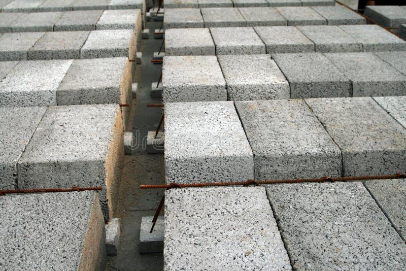 Elementos y acero concretos - imagen de archivo libre de regalías